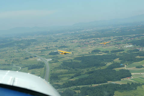 Trying to close our formation while climbing toward Zaprešić