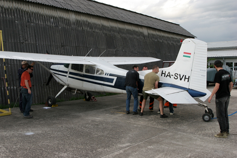 The brave men of Aeroklub Zagreb lifting the tail to place supports under the fuselage. These would hold the tail up without human intervention and allow the wheel to be changed (which the guys tell me is a 15 minute job, since that often happens on our local Skywagon)