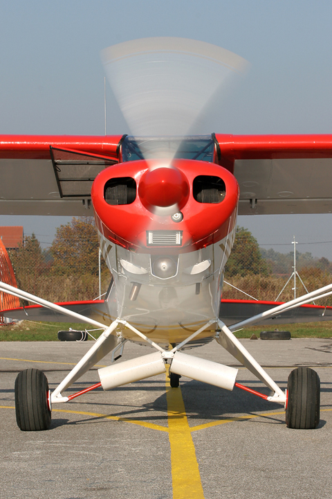 Revving up the engine for a running check. Thankfully for me, the brakes were working perfectly :).