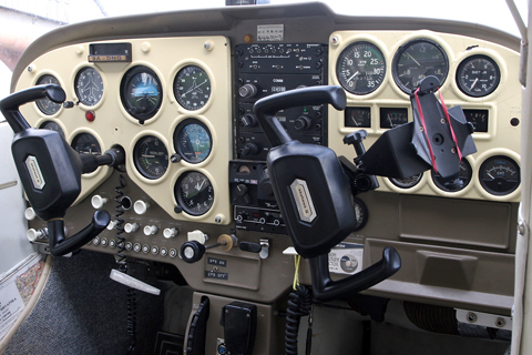 """And a very nice cockpit to round it up. The """"place 'em where you can"""" instrument layout is also typical of early Cessna singles in general. An interesting addition is the German WW2-style manifold pressure gauge to the right of the tachometer. Like its counterparts on Messerschmitts and Focke-Wulfs of old - from whom it may even come - the gauge measures in atmospheres, rather than inches of mercury. Takes some getting used to, but it's very simple: 29.92 inHg = 1013.25 hPa = 1 atmosphere"""
