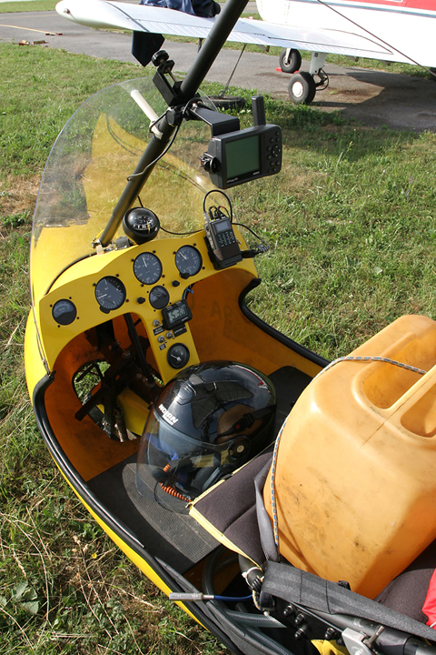 The cockpit. Everything needed is here - including a handheld Garmin GPS MAP 196 as extra. Unlike a number of local microlights, UPM is also equipped with a hand-held radio station, albeit powered by the engine alternator