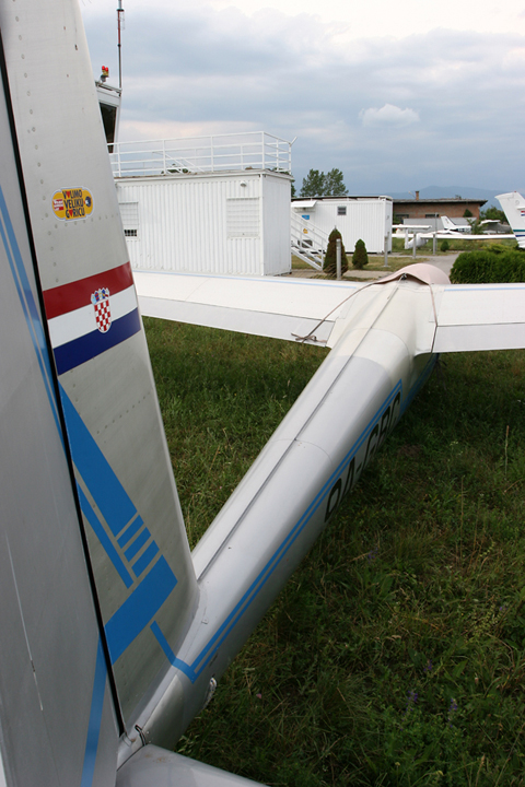 The typical slender glider fuselage exemplefied on poo-stained GBC