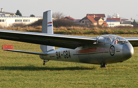 Just touching down after a long duration sortie above town. The paint scheme is not nearly as attractive as GBD's