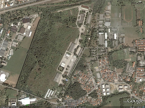 Another Google Earth shot, clearly showing the complex of taxiways and aprons from the WW2 era. The bit sticking out in the reconaissance photograph is the northernmost point of the field (where that taxiway sticks out into the forest), while the hangars in front of which the G.50 was pictured were on the apron immediately to the south. The hangars from the first photo were most probably around the biggest apron in the middle of the field