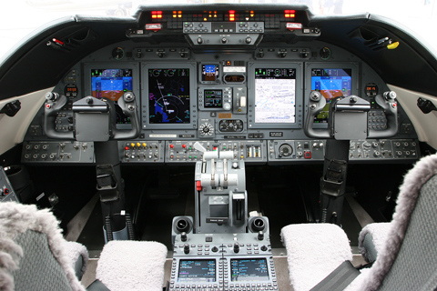 What show would be complete without Learjet's pocket rockets? The 60XR - cockpit pictured - is, according to its pilot, the fastest climbing civil aircraft without afterburner. On a good day, he said they can reach 41,000 ft in 12 minutes! On one flight - with little fuel and no pax - they even managed to reach 13,500 fpm for a brief moment!