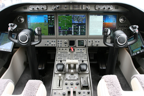 And I'm proud to bring you an exclusive - the cockpit of the Learjet 85 mockup :). The all-carbon fibre aircraft is still in development and is promising to be a world beater. Judging from inside the cockpit, it certainly will be impressive. Many thanks to Bombardier's Mr. John who showed me around!