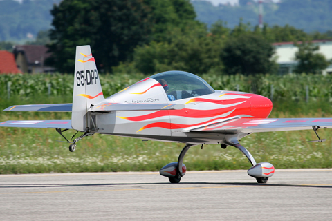 An Extra 300L previously owned by Slovene aerobatic champion Peter Podlunšek rolling down Varaždin's RWY 16