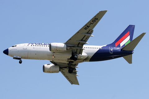 In a bout of recessionism, the traditional Malev flyby had been downgraded from a 767 to a 737-700