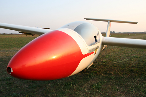 Looking very similar to other 15 meter gliders, the Vuk-T can often pass undetected in the glider crowd
