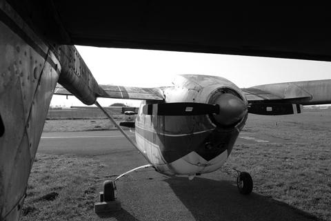 Derelict Report – Reims F337F Skymaster, D-ICEC | Achtung, Skyhawk!