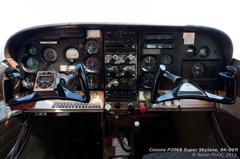 """being a 60s aircraft, the panel layout makes little sense to us used to the """"basic six"""" arrangement, with instruments scattered at seemingly random locations. But, in a way this give it so much charm that I wouldn't have any reservations about taking this for a spin!"""