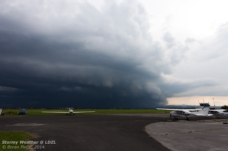 The raw power of Nature never ceases to amaze . Bearing down on Lučko at speed, this fascinating storm cell - the size of which wasn't seen for years - will soon completely flood Lučko, dumping half a centimeter of water in just five minutes!
