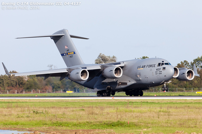 """Another of this year's Globemasters to have visited Pleso, """"Reach 574"""" is just about to put to an end its flight from Mazar-i-Sharif in Afganistan. Transporting home soldiers of several NATO nations, in less than an hour it would depart again towards Kogalniceanu in Romania ."""