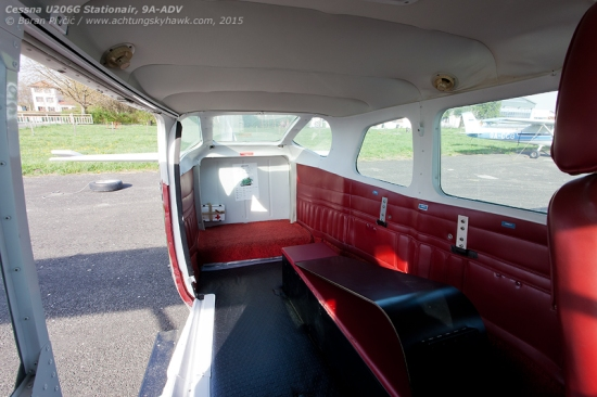 Like virtually all other skydive 206s, ADV accommodates six skydivers in addition to the pilot. Their sitting locations determine the sequence for jumping, which is further indicated by the note on the aft bulkhead.