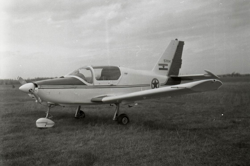 ... and then DRJ, post modification. Pretty much the only dead giveaway at a glance is the new canopy (equipped with shades) (author: unknown, photo kindly provided by Mr. Dragan Kolundžić).