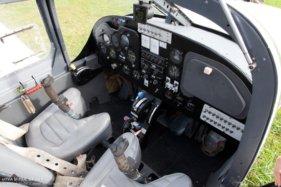 The same logic applies to the cockpit as well, which means that the pilot is spoiled for choice in terms of throttle and prop controls, with one set (the yellow level) on the left sidewall, and one in the traditional place in the throttle quadrant. Combined with an ambidexterous stick, this means the aircraft can be easily flown with both left and right hands, appealing to civilian and military pilots alike. However, like DRJ and XAC, DZT and had retained the basic setup of the standard trainer.